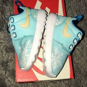 Nike Shoes - Infant Roshe One